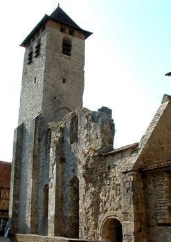 Tour, ruines de la partie romane et portail Sud de l'abbatiale