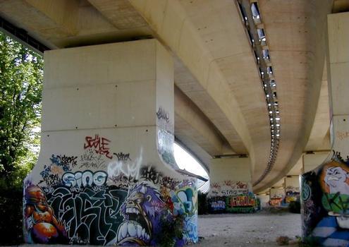 Mesnil-le-Roi-Viadukt – Rampe