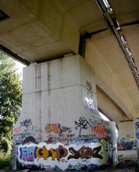 Mesnil-le-Roi-Viadukt – Trennpfeiler zwischen Rampe und Strombrücke
