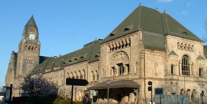 Metz - Gare de Metz - Façade sur la place général de Gaulle