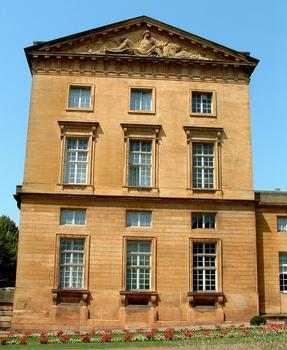 Metz - Palais de Justice (ancien Hôtel du Gouverneur) - Extrémité de l'aile ouest du côté de l'entrée