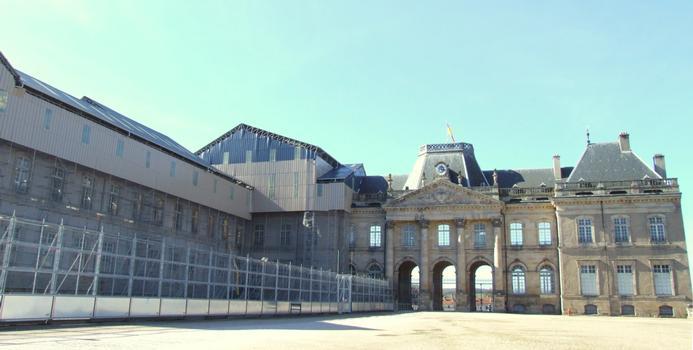 Château de Lunéville - L'aile sud protégée après l'incendie du 2 janvier 2003