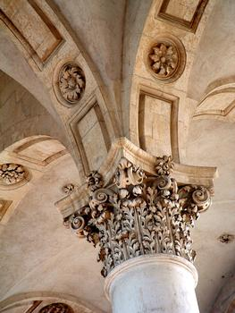 Pont-à-Mousson - Abbaye des Prémontrés - Eglise abbatiale - Chapiteau s'un pilier de la nef