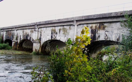 Kanalbrücke über den Ornain