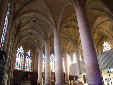 Saint-Mihiel - Eglise Saint-Etienne - Les trois nefs d'égale hauteur pendant les travaux de restauration du Sépulcre de Ligier Richier