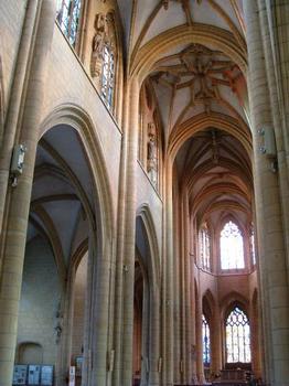 Eglise Notre-Dame-d'Espérance, MézièresNef