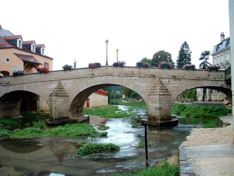 Montbard - Pont sur la Brenne (1733) - Vu de l'amont