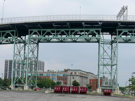 Montréal - Pont Jacques-Cartier - Travées du viaduc d'accès en rive gauche (île de Montréal)