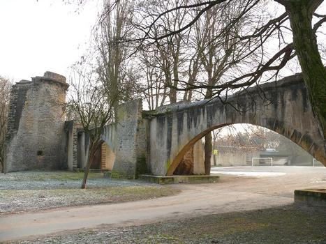 Metz - Pont des Grilles de la Basse-Seille (remparts médiévaux de Metz)