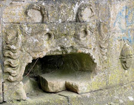 Metz - Remparts médiévaux - Tour Dex - Détails des décorations