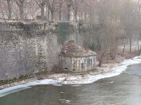 Metz - Remparts médiévaux - Tour Dex
