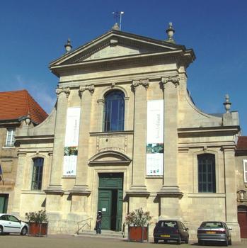 Vic-sur-Seille - Ancien couvent des Carmes - Façade de l'église