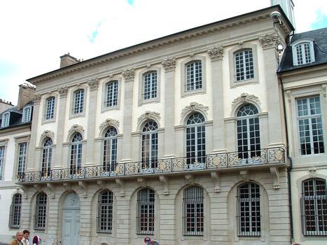 Cour d'Appel (hôtel de Beauvau-Craon) - Façade sur la place Carrière