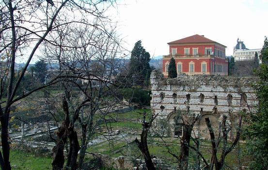 Nice - Villa des Arènes (Musée Matisse) et le site archéologique des Thermes de Cimiez