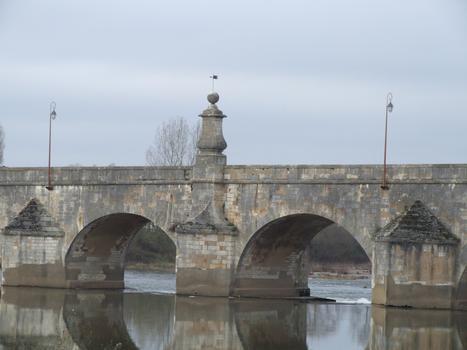 La Charité-sur-Loire - Pont de Pierre - Travées centrales