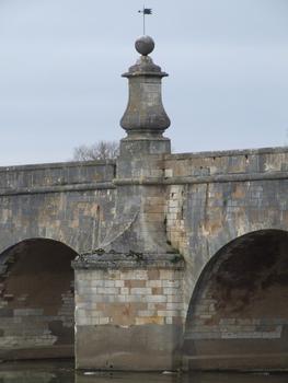 La Charité-sur-Loire - Pont de Pierre - Pile centrale
