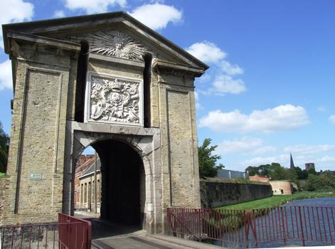 Bergues - Fortifications de la ville - Porte de Cassel
