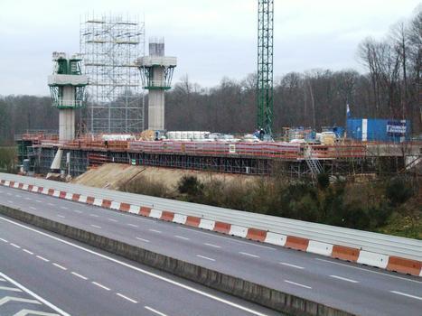 Schrägseilbrücke über die A16