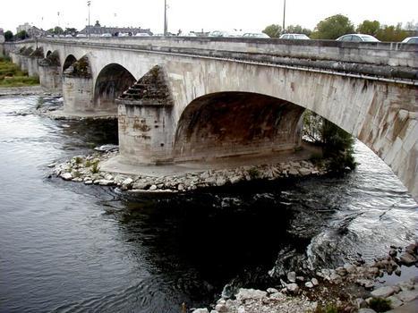 Pont George V, Orléans.Côté amont
