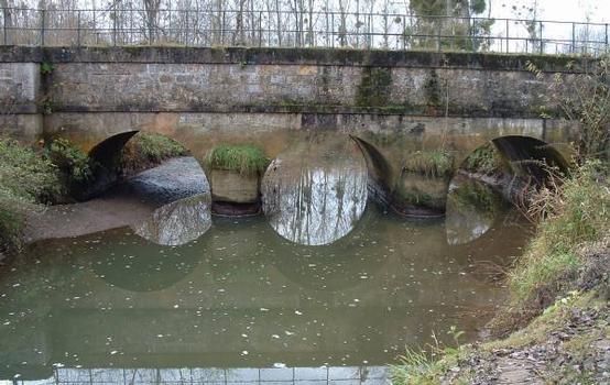 Canal de l'OurcqDérivation du ClignonPont-canal du Clignon sur l'Ourcq construit par Vuigner : Canal de l'Ourcq Dérivation du Clignon Pont-canal du Clignon sur l'Ourcq construit par Vuigner