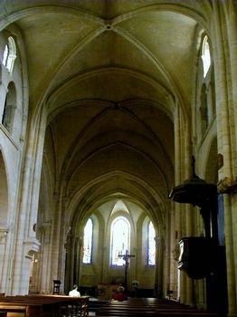 Eglise Saint-Pierre-de-Montmartre, Paris.Nef et choeur