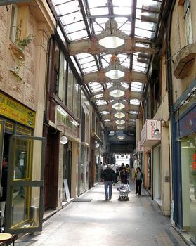 Paris 10ème arrondissement - Passage du Prado vu de la rotonde