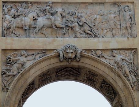 Paris 10 ème arrondissement - Porte Saint-Denis - Côté nord - Siège de Maastricht de 1673