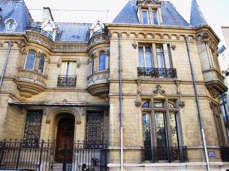 2 rue Lota, Paris