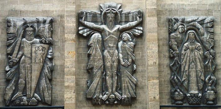 Paris 17ème arrondissement - Eglise Saint-Ferdinand-des-Ternes - Façade - Bas relief
