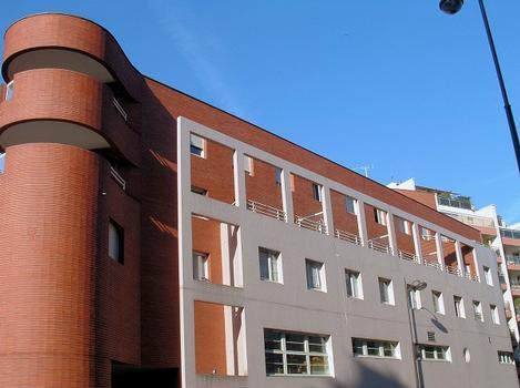 Paris 18ème arrondissement - Immeubles 2 rue du Ruisseau, rue Duhesme et école maternelle : Paris 18 ème arrondissement - Immeubles 2 rue du Ruisseau, rue Duhesme et école maternelle