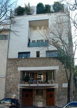 Paris - Maison Tristan Tzara - 15, avenue Junot - 18ème arrondissement - Façade sur rue