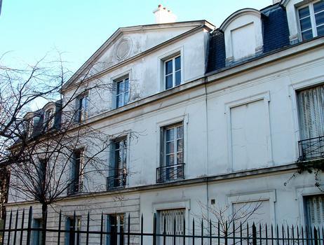 Paris, place Dalida, 18ème arrondissement - Château des Brouillards