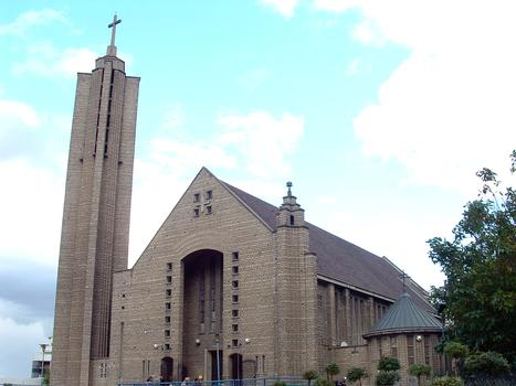 Paris 19ème arrondissement - Eglise Notre-Dame-de-Fatima-Marie-Médiatrice - Façade et clocher