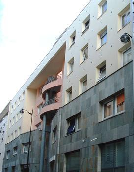 Paris 20ème arrondissement - Immeuble du 24 rue Ramponneau comprenant 58 logements sociaux par l'architecte Fernando Montes