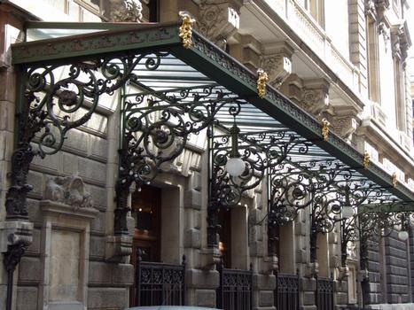 Opéra comique - Auvent, rue Marivaux