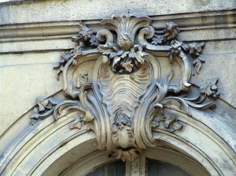 Paris 2ème arrondissement - Hôtel dans la cour du 226 rue Saint-Denis (architecte: Jacques Hardouin-Mansart de Lévi) : Paris 2 ème arrondissement - Hôtel dans la cour du 226 rue Saint-Denis (architecte: Jacques Hardouin-Mansart de Lévi)