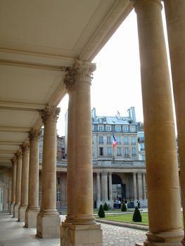 Paris - Musée de l'Histoire de France - Hôtel de Soubise (architecte: Pierre-Alexis Delamair) construit de 1705 à 1709 - 60, rue des Francs-Bourgeois - Péristyle et entrée