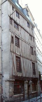 Paris - 3, rue Volta - Immeuble du 17ème siècle