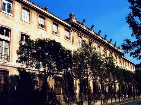 Paris - 1, 3 rue de Sully - Grand Arsenal (Bibliothèque de l'Arsenal) - Façade sur le boulevard Morland - Ensemble