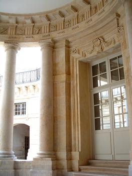 Paris - Hôtel de Beauvais (Cour administrative d'appel de Paris) - Entrée dans l'hôtel