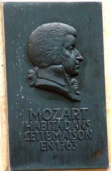 Paris - Hôtel de Beauvais (Cour administrative d'appel de Paris) - Plaque commémorant le passage de Mozart dans l'hôtel en 1763