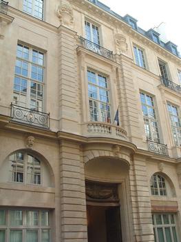Paris - Hôtel de Beauvais (Cour administrative d'appel de Paris) - Façade sur la rue François-Miron