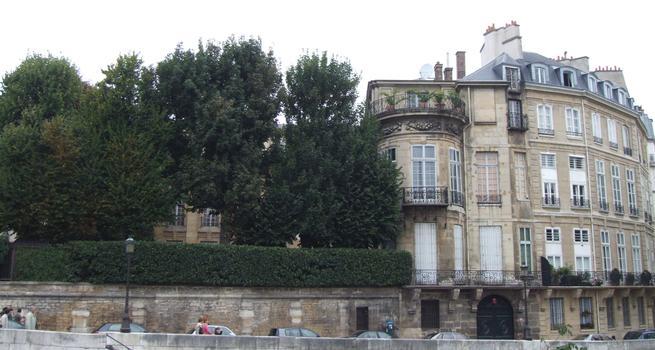Paris - Île Saint-Louis - Hôtel Lambert - Extrémité de l'hôtel vers la Seine