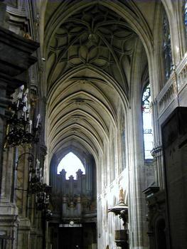 Paris - Eglise Saint-Merri - Vaisseau central vu du choeur