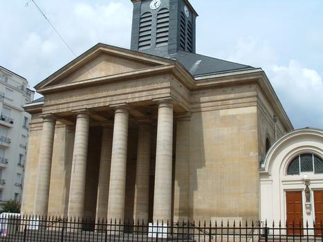 Paris - Eglise Saint-Pierre-du-Gros-Caillou - Portique de l'entrée
