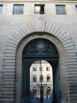 Hospice Beaujon, Paris