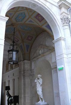 Paris 8ème arrondissement - Hôtel de Pourtalès - Porche d'entrée