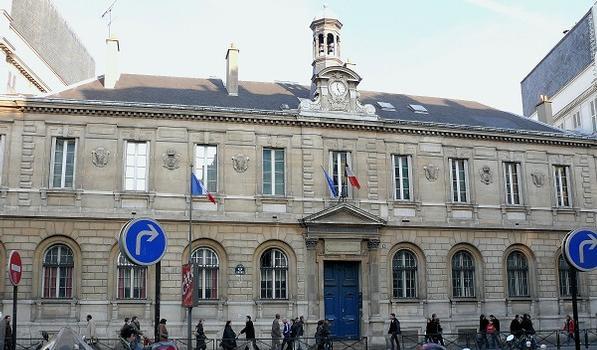 Paris 9ème arondissement - Lycée Condorcet - Façade sur la rue du Havre par l'architecte Joseph-Louis Duc (1802-1879) : Paris 9 ème arondissement - Lycée Condorcet - Façade sur la rue du Havre par l'architecte Joseph-Louis Duc (1802-1879)