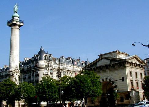 Paris - Place de la Nation - Barrière du Trône et une colonne