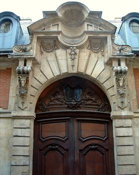 Paris - Hôtel d'Almeiras - Dessus de porte